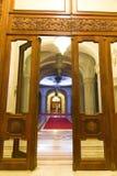 Vestíbulo opulento del palacio Fotos de archivo libres de regalías
