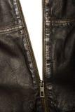 Veste en cuir de brun foncé avec la fermeture éclair partiellement ouverte photos stock