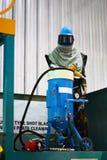 Vestiario di protezione chimico pericoloso in pieno sigillato fotografie stock libere da diritti