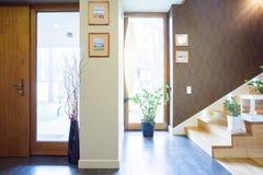 Vestibule conçu dans la maison unifamiliale Images libres de droits