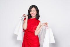 Vestido asiático de señora Style With Red del verano que hace compras atractivo Fotos de archivo