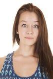 Vestido azul chocado de la muchacha adolescente de la cara Imagen de archivo libre de regalías