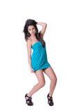 Vestido azul de desgaste de mulher da forma mini Foto de Stock