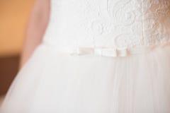 Vestido branco da dama de honra Fotografia de Stock