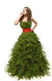 Vestido da mulher da árvore de Natal, modelo de forma no vestido criativo do Xmas imagem de stock royalty free