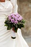 Vestido da mulher do casamento do ramalhete de Rosa Foto de Stock