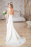 Vestido da noiva da rotação foto de stock royalty free