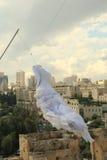 Vestido de boda en la torre de David Imágenes de archivo libres de regalías