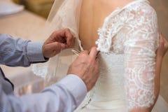 vestido de boda hermoso del cordón de la novia novia motning imagen de archivo libre de regalías