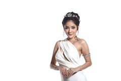 Vestido de bola do vestido de noite na mulher bonita asiática com forma miliampère foto de stock royalty free
