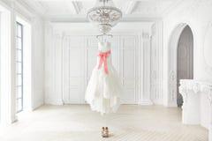 Vestido de casamento Imagens de Stock