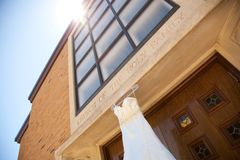 Vestido de casamento do marfim Fotos de Stock Royalty Free