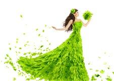 Vestido de las hojas del verde de la mujer, vestido floral de la belleza creativa de la fantasía Fotos de archivo libres de regalías