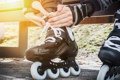 Vestido de los pcteres de ruedas para patinar Imagen de archivo