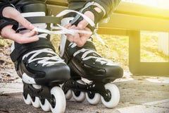 Vestido de los pcteres de ruedas para patinar Fotos de archivo