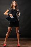 Vestido de noche de la mujer con la fan negra a disposición Imagen de archivo libre de regalías