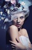 Vestido desgastando da mulher nova imagem de stock royalty free