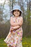 Vestido desgastando exterior do verão da criança Imagens de Stock