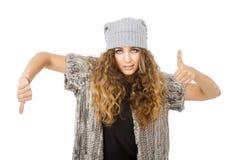 Vestido do inverno para uma menina de manuseio fotografia de stock royalty free