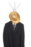 Vestido informal com chapéu em uma cremalheira fotos de stock