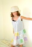 Vestido parvo da menina Criança-Pequena fotografia de stock