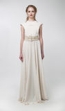 Vestido retro branco desgastando da mulher bonita Imagens de Stock