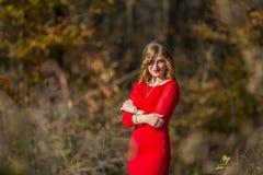 Vestido rojo de la muchacha Imágenes de archivo libres de regalías