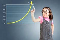 Vestido vestindo do negócio da menina bonito e tiragem sobre o gráfico da realização do alvo Fundo para um cartão do convite ou u Foto de Stock Royalty Free