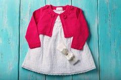 Vestido y bolero para los bebés Imágenes de archivo libres de regalías