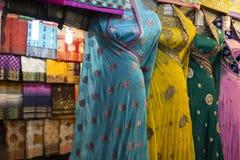 Vestidos de la sari imagen de archivo