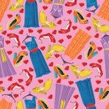 Vestidos de moda multicolores, zapatos abiertos, corazones. S Foto de archivo