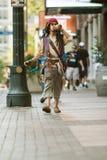 Vestidos del hombre como capitán Jack Sparrow For Atlanta Parade del pirata Fotografía de archivo libre de regalías