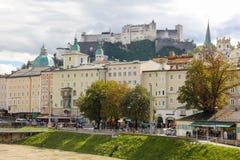 Vesting en de middeleeuwse bouw Salzburg oostenrijk Royalty-vrije Stock Foto