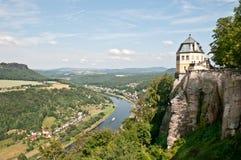 Vesting Koenigstein en rivier Elbe Stock Foto's