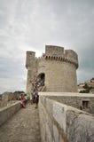 Vesting Minceta, muren van de de stadsstad van Dubrovnik de oude Royalty-vrije Stock Afbeeldingen