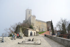 Vesting op een klip in San Marino Royalty-vrije Stock Fotografie