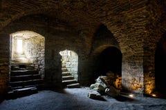 Vesting van kalksteen wordt gebouwd dat De oude Maasi-ruïnes van het steenkasteel stock foto