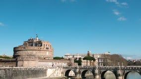 Vesting van San Angelo, Gezoem Mooie oude vensters in Rome (Italië) TimeLa stock video
