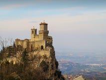Vestingsla Rocca Guaita met mooie landschapsachtergrond, San Marino royalty-vrije stock foto's