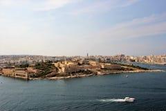 Vestingwerken van Manoel Island, Malta, mening van het overzees royalty-vrije stock fotografie