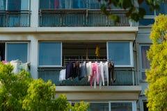 Vestiti asciutti il giorno soleggiato nella stagione invernale Fotografia Stock Libera da Diritti