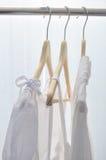 Vestiti bianchi Immagini Stock