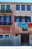Vestiti d'attaccatura, Venezia Fotografia Stock