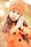 Vestiti d'uso di inverno della neonata alla moda Fotografie Stock
