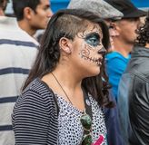 Vestiti dalla donna come scheletro per la parata Immagine Stock Libera da Diritti