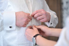 Vestiti dallo sposo per le nozze Immagini Stock Libere da Diritti