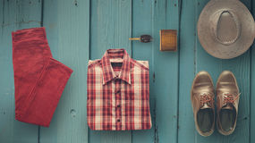 Vestiti dei pantaloni a vita bassa ed accessori dell'uomo Immagine Stock