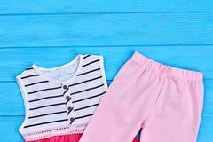 Vestiti del cotone di estate della neonata Fotografia Stock Libera da Diritti