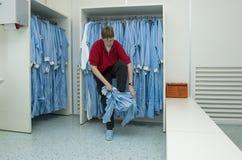 Vestiti del locale senza polvere Immagini Stock