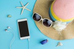 Vestiti delle donne di estate di modo messi con gli accessori Immagine Stock